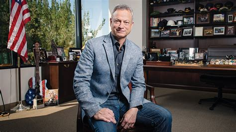csi actor gary sinise walk of fame honoree gary sinise goes above and beyond