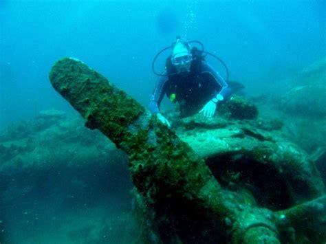 Paket Liburan Tour Bunaken Lembeh Bangka Scuba Diving black marlin dive resort togian islands central sulawesi