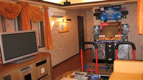 there s a ddr machine in this japanese hotel kotaku