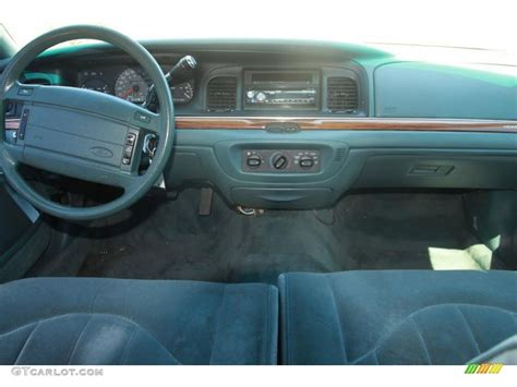 old car manuals online 1995 ford crown victoria regenerative braking 1995 ford crown victoria standard crown victoria model green dashboard photo 38056430