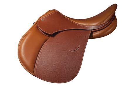 best saddles 10 of the best jumping saddles hound