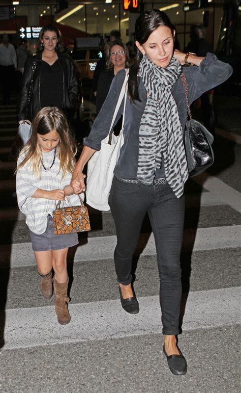 courteney cox daughter coco courteney cox and daughter coco arriving at lax zimbio