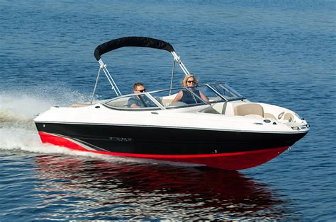 runabout deck boat stingray 198lx best of both worlds boats