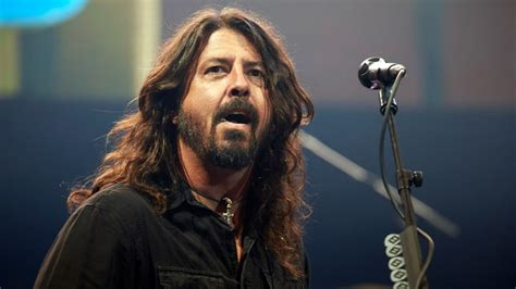 foo fighters fan club dave grohl artist profile rolling stone