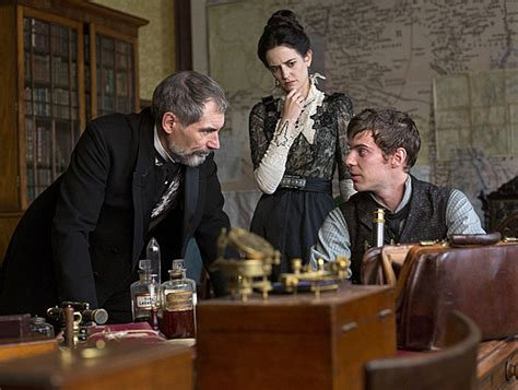 timothy dalton eva green harry treadaway talks penny dreadful playing dr
