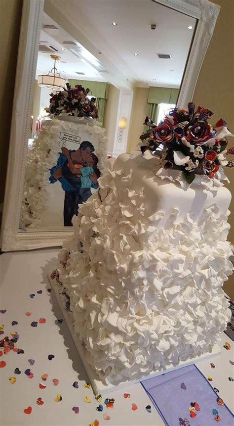 best 20 superman wedding cake ideas on wedding cake half batman superman wedding