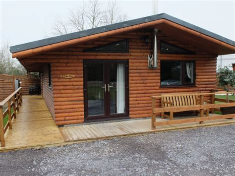 Wales Log Cabins With Tub by Log Cabins With Tubs In Wales Llannerch