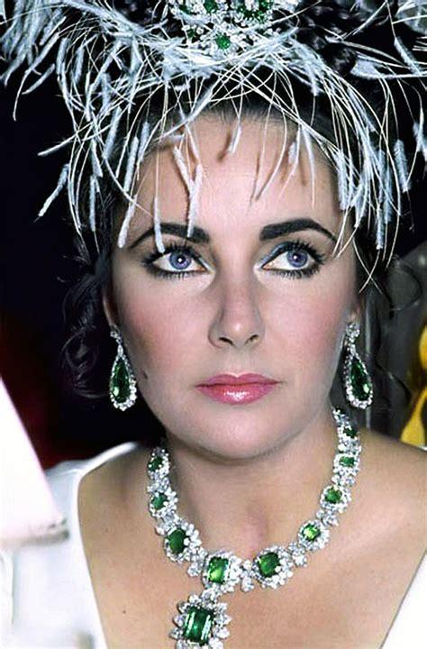 Jewelry Styles Inspired From Celebrities   Arabia Weddings
