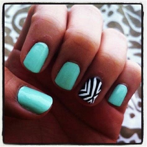 zig zag pattern nails zig zag nail design nail designs pinterest nail