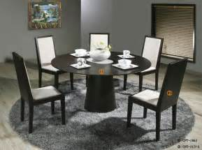 Dining Table Chair Spacing Small Dining Table Great Dining Room Table And