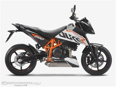 Ktm 1290 Duke R Review 2014 Ktm 1290 Duke R Look Motorcycle Usa