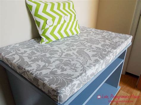 diy bench with cushion link to how to sew bench cushion crafting diy pinterest