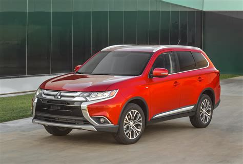 mitsubishi cars 2016 2016 mitsubishi outlander features more of everything