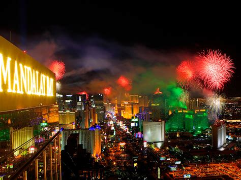 new year 2016 las vegas celebration las vegas new year 2015 4 the golden scope