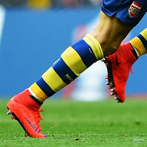 alexis sanchez nike weekend boot spots a weekend of beautiful goals and
