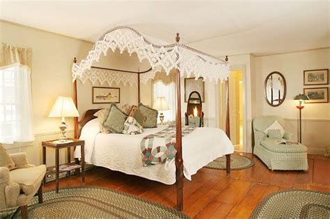 Colonial Bedrooms by Colonial Style Bedroom Home
