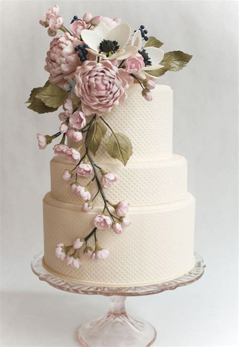 Vintage Wedding Cakes 2014 wedding cake trends 5 vintage wedding cakes bridal