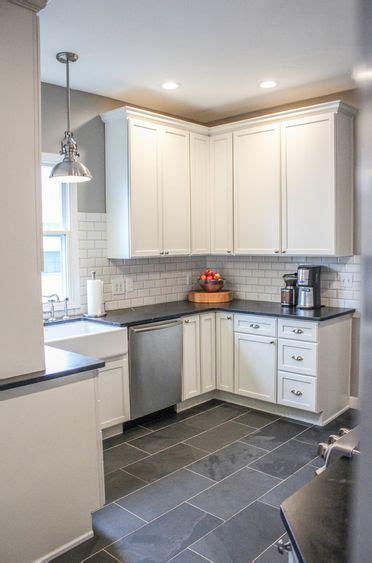slate kitchen floor best 25 slate floor kitchen ideas on slate flooring grey slate tile and kitchen floors