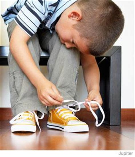 tying his own shoes parenting