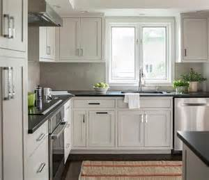 light grey kitchen cabinets best 25 light gray cabinets ideas on pinterest gray