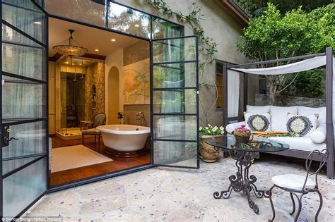 Outdoor Bathrooms Australia by Sela Ward Lists 40m Bel Air Mansion Complete With