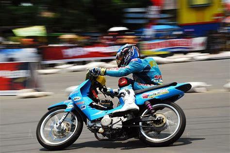 gambar motor road race r way collection