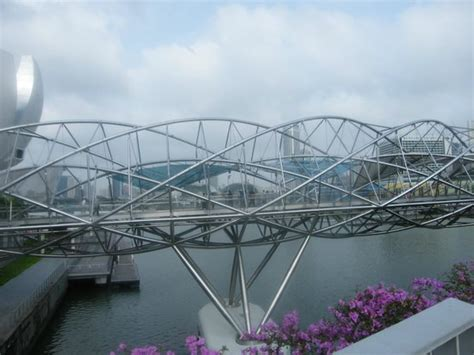 helix bridge picture of the helix bridge singapore