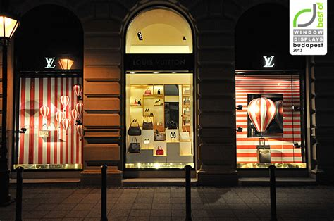 Strapbag Gucc louis vuitton windows 2013 summer budapest 187 retail