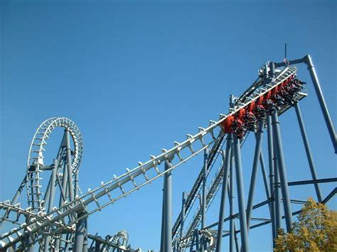 top gun roller coaster  paramount canadas wonderland