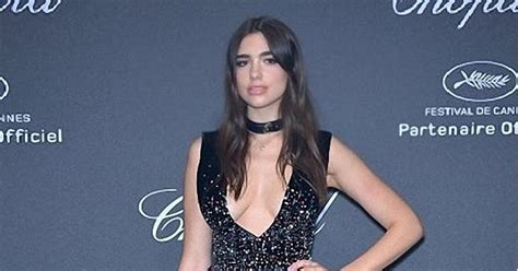dua lipa measurement celebrity heights how tall are celebrities heights of