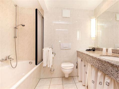 austausch badewanne gegen dusche ferienwohnung quot muschelwohnung quot in der villa jahreszeiten