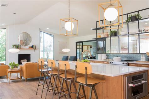 quot fixer upper quot 7 house flips that will make your jaw drop fixer upper flip house to family project hgtv s fixer