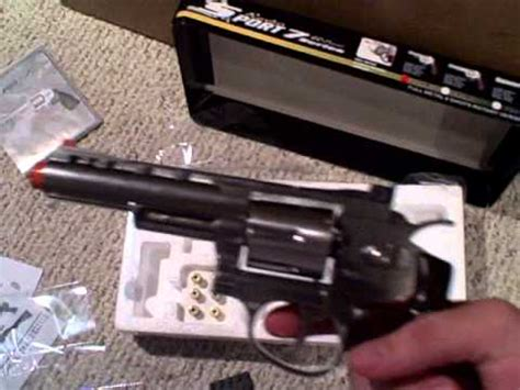 wingun wg 701 co2 airsoft revolver unboxing and first