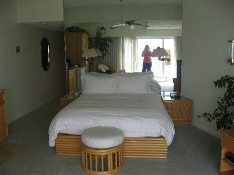 hotel rooms in city md bed picture of lighthouse club hotel an inn at fager s island city tripadvisor
