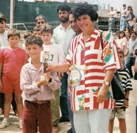 cristiano ronaldo parents biography a young cristiano ronaldo with his mother and first trophy