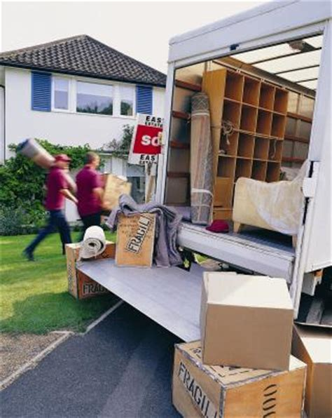 can renter's insurance cover moving damage? | synonym