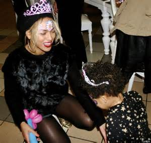 New year s eve celebrations in miami beyonce partied at the versace