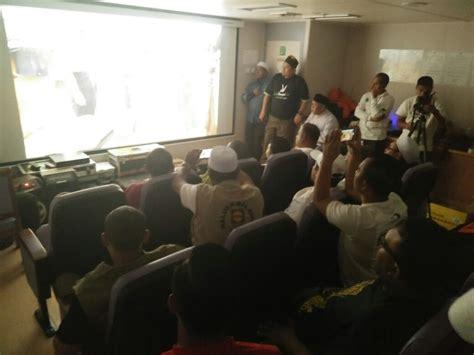 film dokumenter home relawan nobar film dokumenter rohingya di atas kapal food