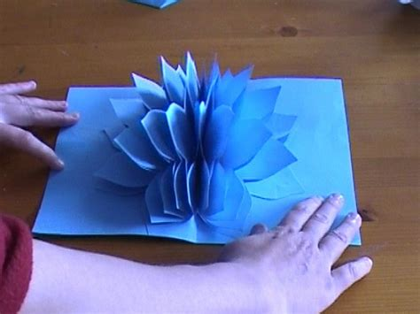 How To Make Pop Up Flowers Card In Paper - amazing flower pop up card