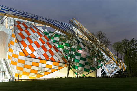 Fondation Vuitton by A Closer Look At Daniel Buren S Colorful Intervention At