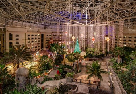 gaylord palms annual ice event will feature characters