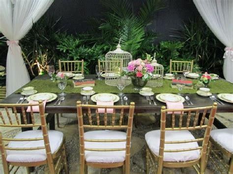 apparecchiare tavola in giardino come apparecchiare la tavola estiva 5 idee bigodino