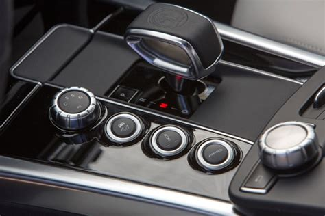 Auto Matic Car by Automatic Vs Manual Which Should You Buy Parkers
