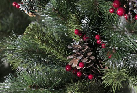 arbol de navidad nevado 193 rbol de navidad verde nevado de 180cm pi 209 as y acebo ref