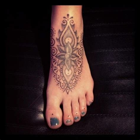 tattoo hand cross dots hand poked dot work foot tattoo ink pinterest nice