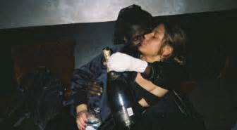 adele exarchopoulos y novio adele exarchopoulos fiancee french rapper doums