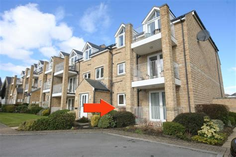 two bedroom apartment halifax 2 bedroom apartment for sale in heywood court northowram