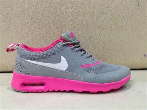 Nike Airmax Tab Sepatu Running Sepatu Cewek jual sepatu nike air max thea lelono sport indonesia