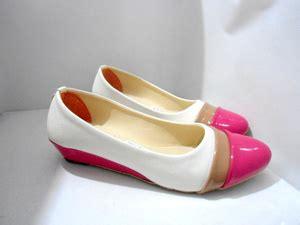 Sepatu Flat Shoes Balet Wanita Gratica Al36 Putih Diskon jual sepatu balet wanita sintetis glossy tinggi hak 3 cm grosir sandal dan sepatu