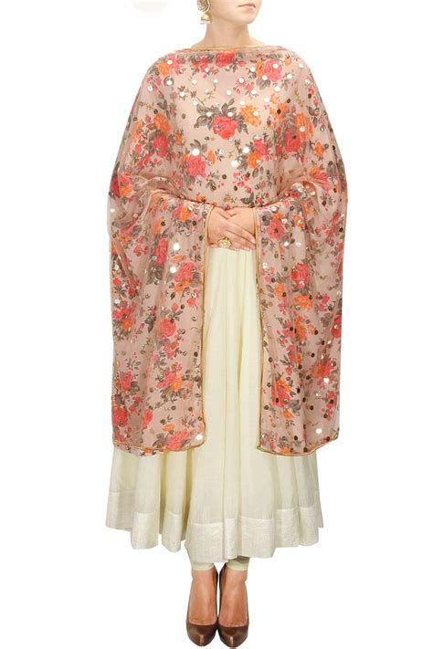 Legging Etnik pretty dupattas paired with plain suits can give you lots